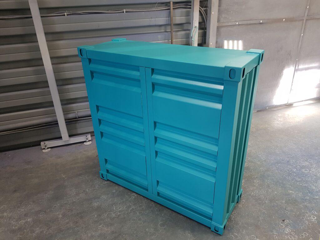 Выставочный стенд в форме контейнера